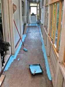 paint floor trim Lady