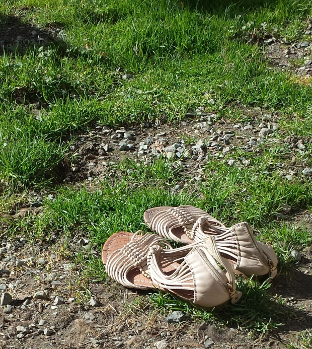 sandals-201803121.jpg